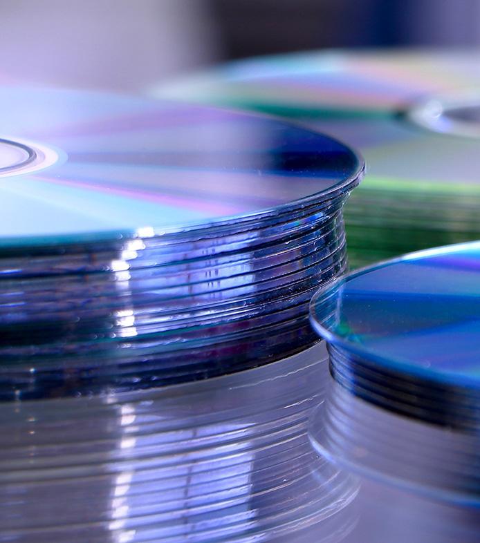 DVDs und CDs